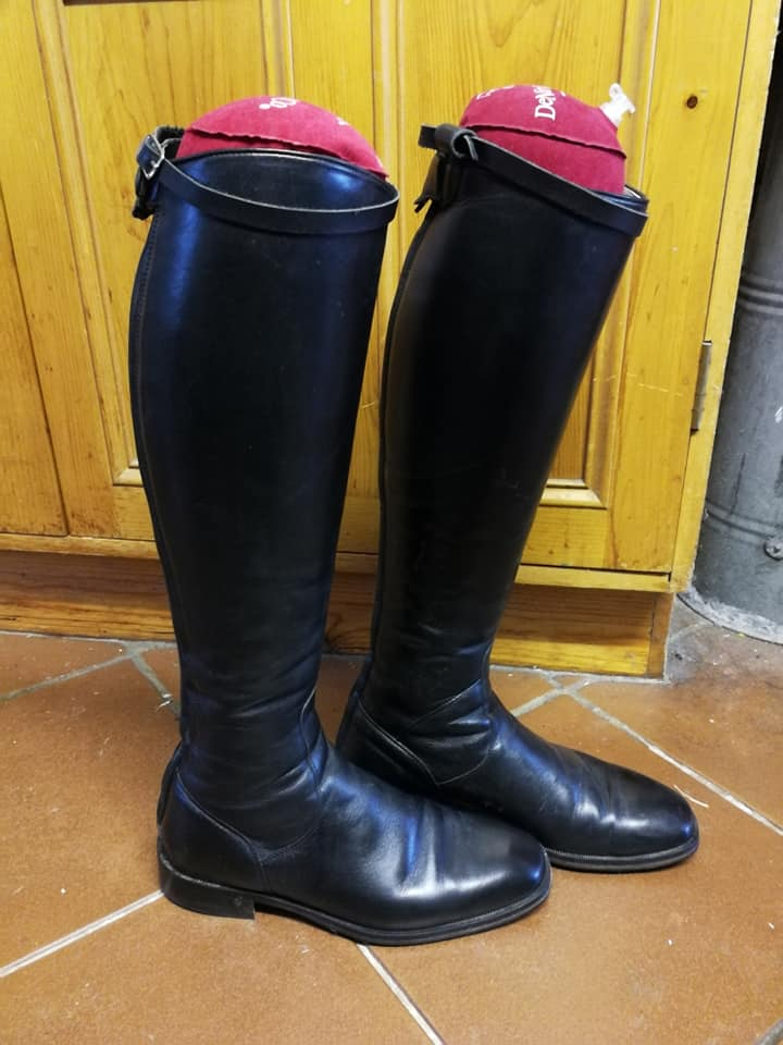 Pre-owned DiNiro Boots
