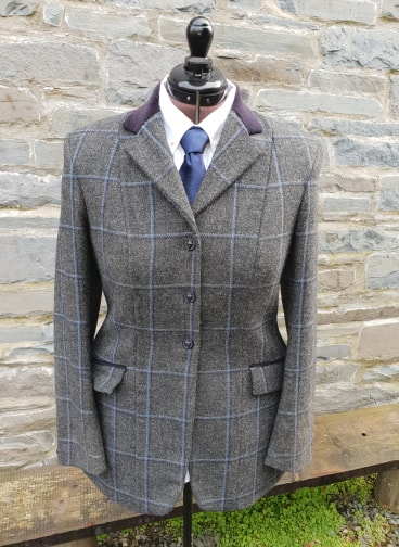 Pre – Owned Ladies Riding Jacket Size 38 – Felix Tweed